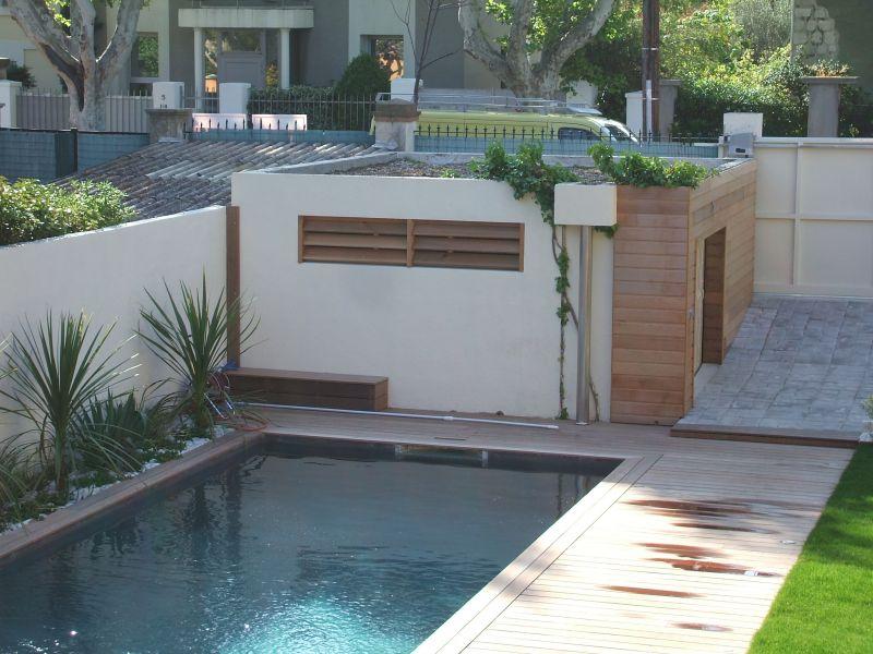 entourage d 39 une piscine en ip dans une maison. Black Bedroom Furniture Sets. Home Design Ideas