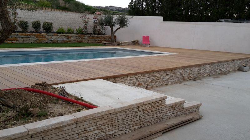 R alisation artisanale d 39 un tour de piscine en bois d 39 ip du br sil ch teau neuf les martigues - Tour de piscine en bois ...