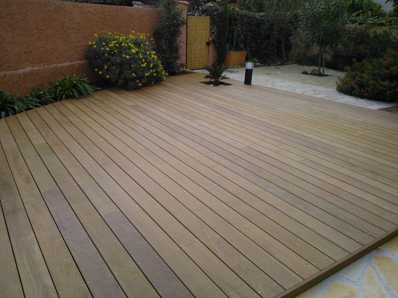 que choisir pour une terrasse le bois ou le composite pose de parquet et terrasse en bois