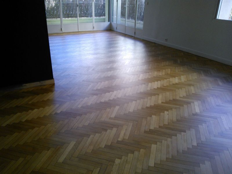 renovation parquet chene free rnovation duun parquet massif chne devenu trop jaune couzon au. Black Bedroom Furniture Sets. Home Design Ideas