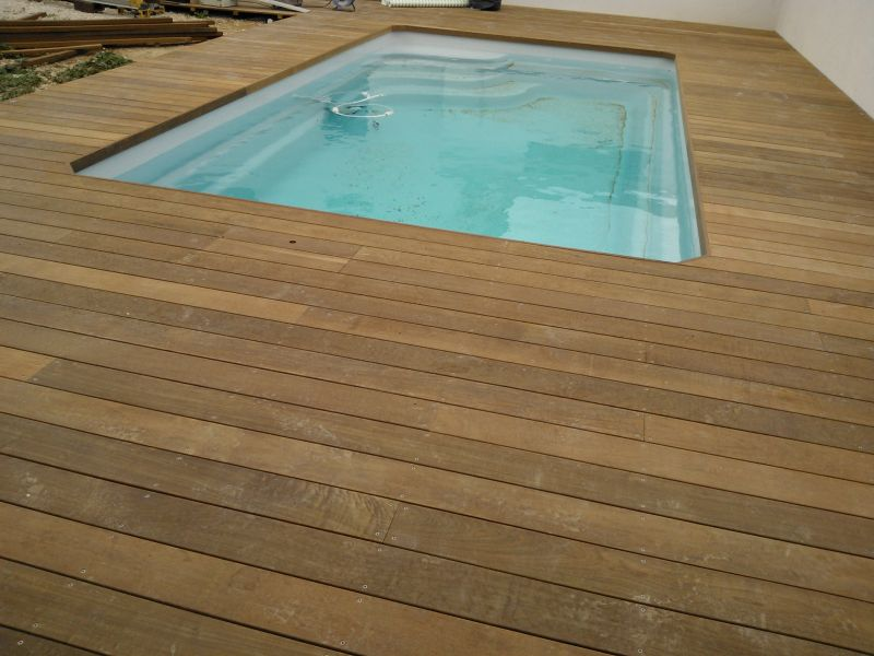 terrasse en bois parquet plage de piscine marseille. Black Bedroom Furniture Sets. Home Design Ideas
