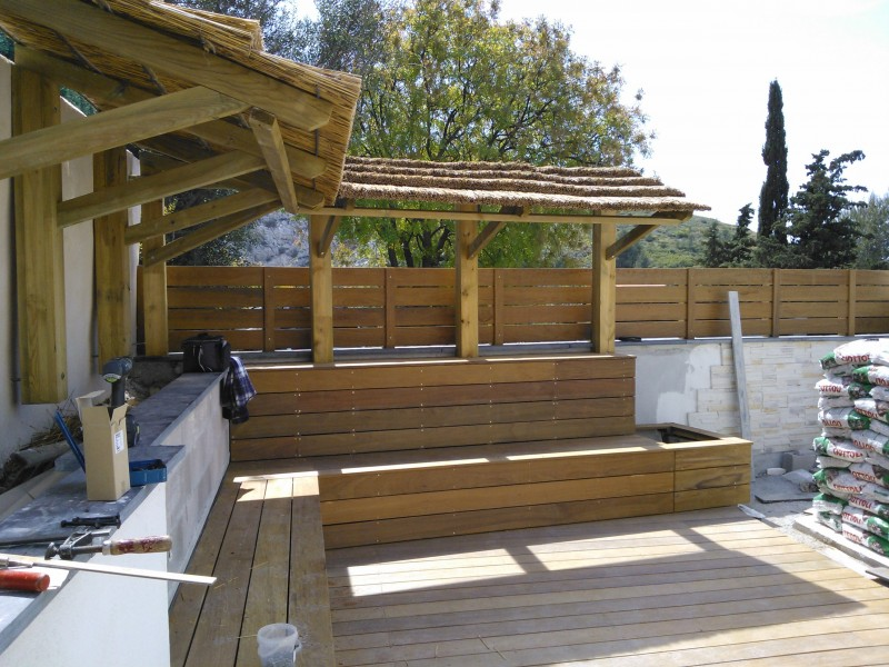 terrasse bois avec pergola tonnelle en bois de douglas avec lames orientables with terrasse. Black Bedroom Furniture Sets. Home Design Ideas