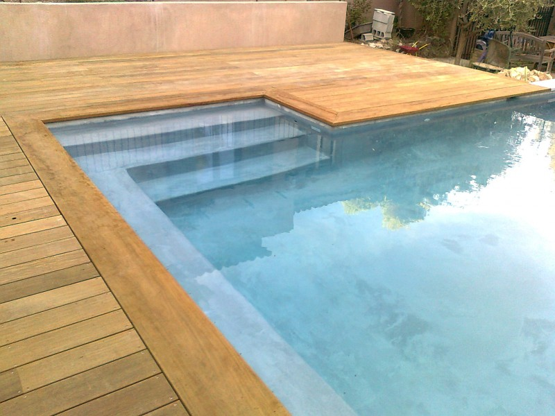 Margelle bois exotique for Pose margelle bois piscine