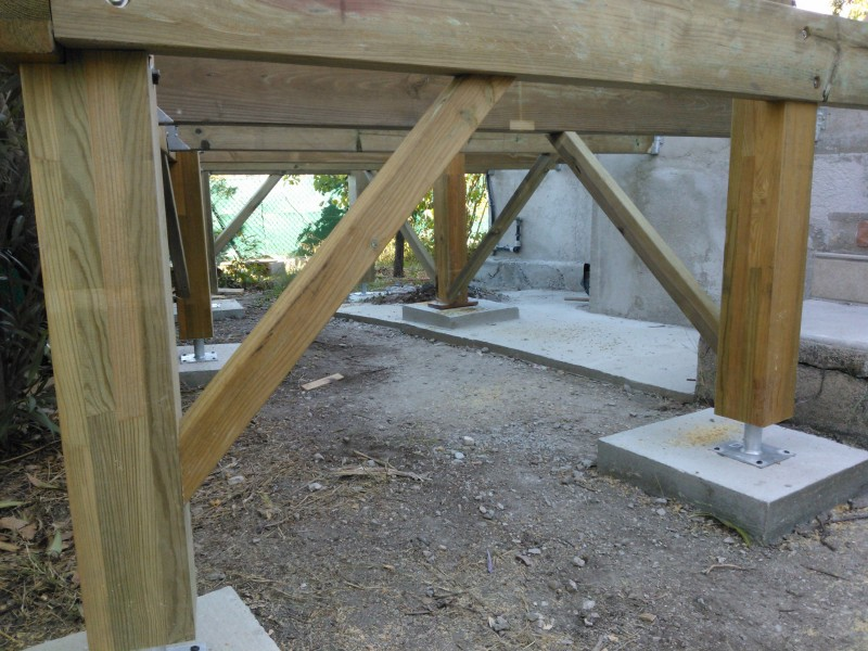 Terrasse suspendue en bois id es de conception sont int ressants votre d cor for Terrasse suspendue beton photo