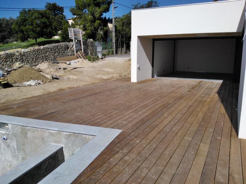 Terrasse et plage de piscine en ip sur marseille for Terrasse de marseille