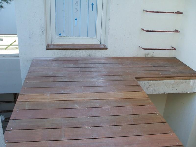 Pose de terrasse en bois ip ensues la redonne pour une for Agrandir terrasse bois