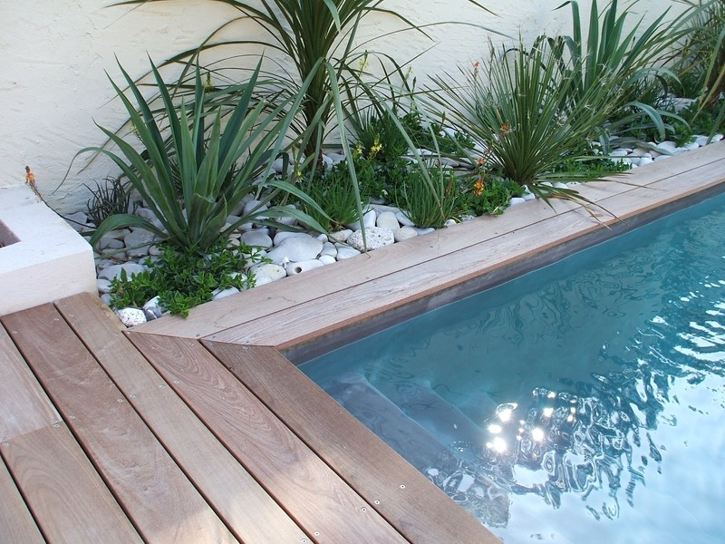 margelle piscine contemporaine hb34 jornalagora. Black Bedroom Furniture Sets. Home Design Ideas