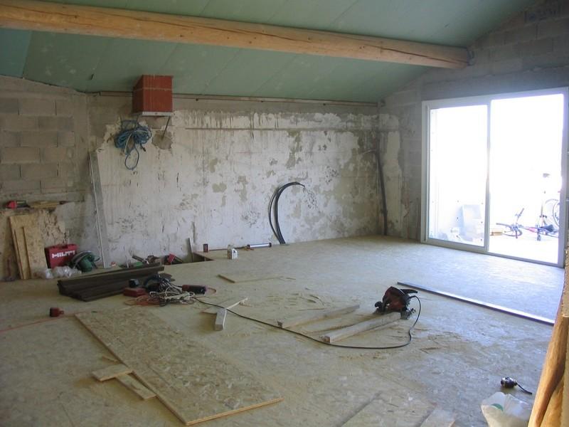 Pose panneaux de plancher en osb 4 sur bandes de phaltex patrice meynier - Plancher bois osb ...