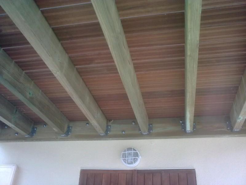 Terrasse suspendue la fare les oliviers dans la foul e d 39 une r novation - Agrandir une terrasse surelevee ...