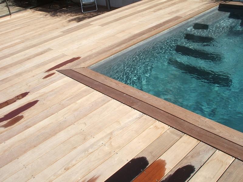 Entourage de piscine en bois ip marseille pour une maison d 39 architecte patrice meynier - Piscine tubulaire avec terrasse lyon ...