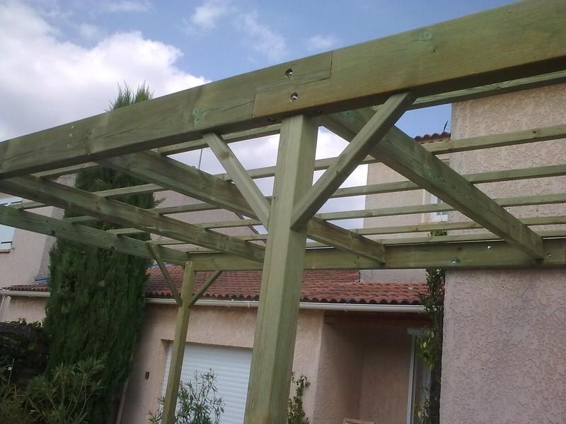 couvrir une terrasse en bois fabulous idalement ariddeck suinstalle sur une structure en bois. Black Bedroom Furniture Sets. Home Design Ideas